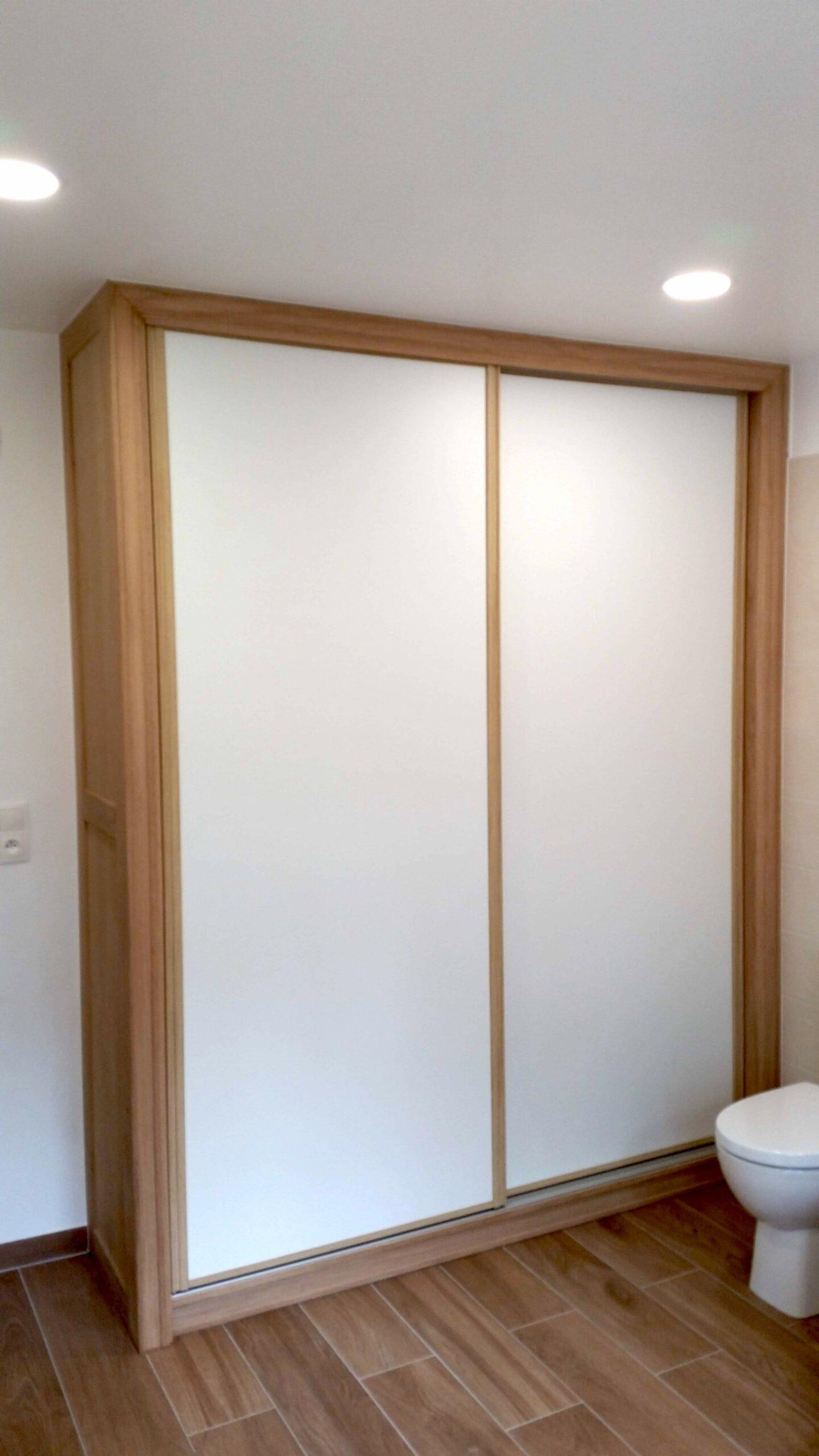 Fabrication et pose d'un placard dans une salle de bain image_1